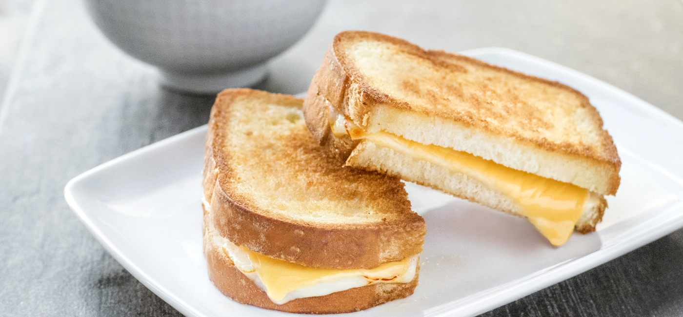 Grilled Cheese & Roasted Red Pepper Soup Recipe Image
